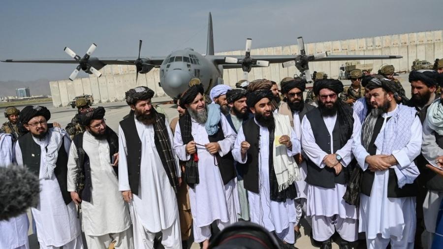 Talibã nomeia comandantes radicais para postos-chave no Afeganistão - WAKIL KOHSAR / AFP