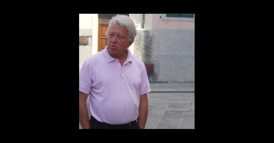 20.mai.2016 - O francês Pierre Heslouin, 74, era consultor de gestão em Paris e tinha viajado para passar um tempo com o filho Quentin Heslouin, 41, que vive em Londres. Pierre Heslouin estava entre as 66 pessoas a bordo do voo MS804 da EgyptAir. A mulher dele, Edith, morreu no final do ano passado