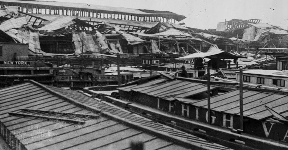 25.07.2016- Explosão no Porto de Nova York em 1916