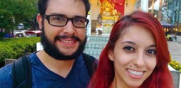 """Thiago Xavier e Lorraine Bernardes viraram """"nômades digitais"""" na Tailândia"""