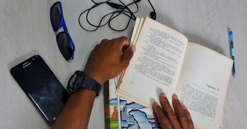 Daniel, refugiado angolano que vai prestar o Enem no Rio de Janeiro