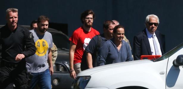 Três filhos, Fábio Luís Lula da Silva, o Lulinha, Luís Claudio e Lurian Cordeiro Lula da Silva e o neto Thiago visitam Lula na prisão