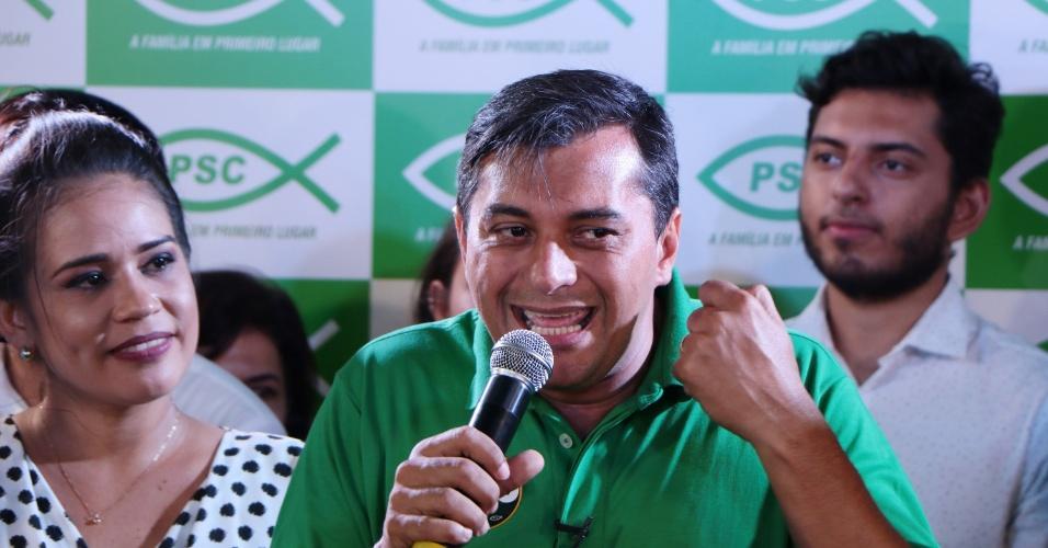 28.out.2018 - O governador eleito do Amazonas, Wilson Lima (PSC), durante discurso da vitória em Manaus (AM). O jornalista estreante na política foi eleito com 58,51% dos votos vencendo o atual governador Amazonino Mendes (PDT).