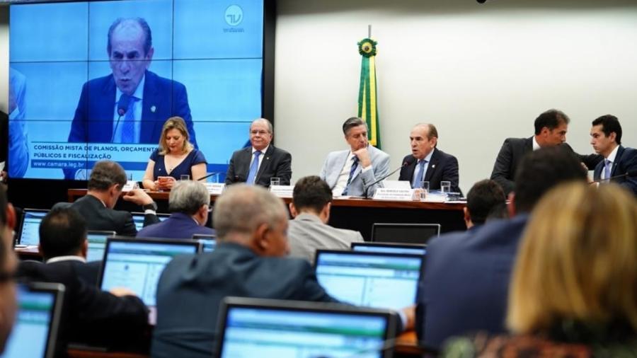 Comissão Mista de Orçamento aprovou ontem o parecer favorável do senador Eduardo Gomes - Pablo Valadares/Câmara dos Deputados
