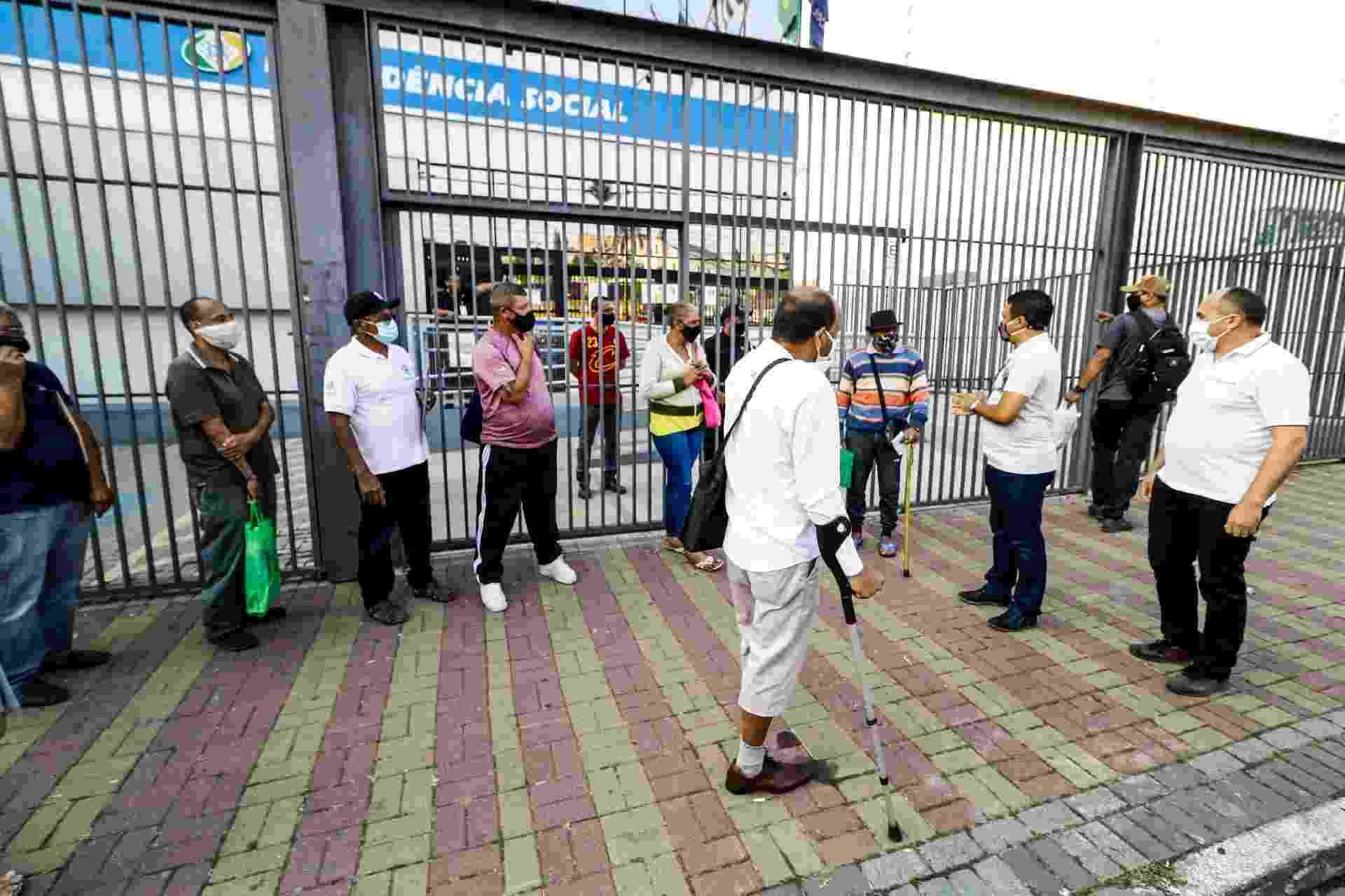 Reabertura das agências do INSS em São Paulo, programada para hoje, foi suspensa por decisão do TRF-3 - Aloísio Maurício/Fotoarena/Estadão Conteúdo