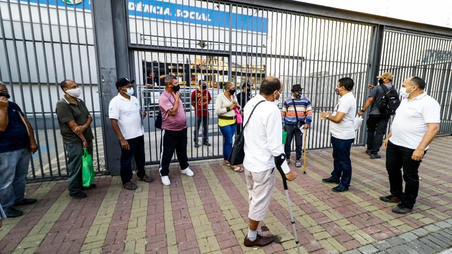 Reabertura das agências do INSS em São Paulo, programada para hoje, foi suspensa pelo TRF-3 - Aloísio Maurício/Fotoarena/Estadão Conteúdo