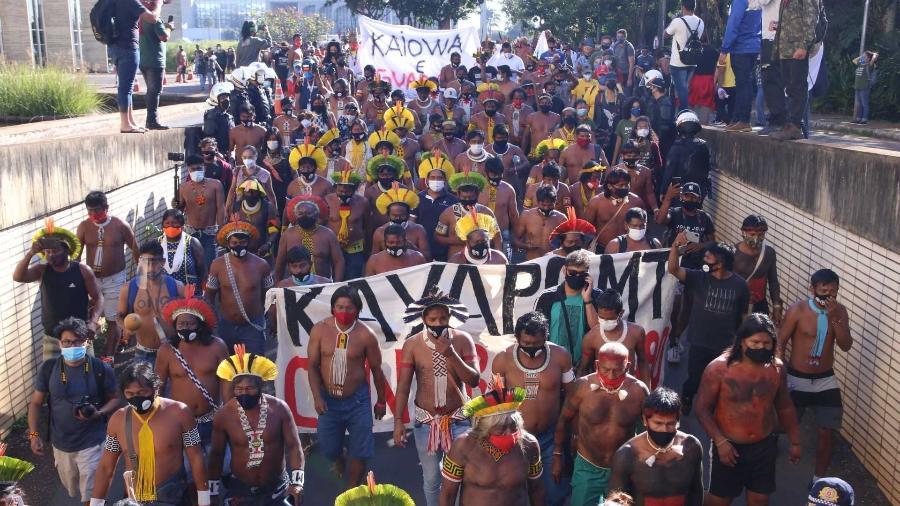 23.jun.2021 - Indígenas de diferentes etnias do Brasil protestam contra o Projeto de Lei 490, de 2007, que é votado na Câmara dos Deputados, em Brasília - ELIO RIZZO/AGÊNCIA F8/ESTADÃO CONTEÚDO
