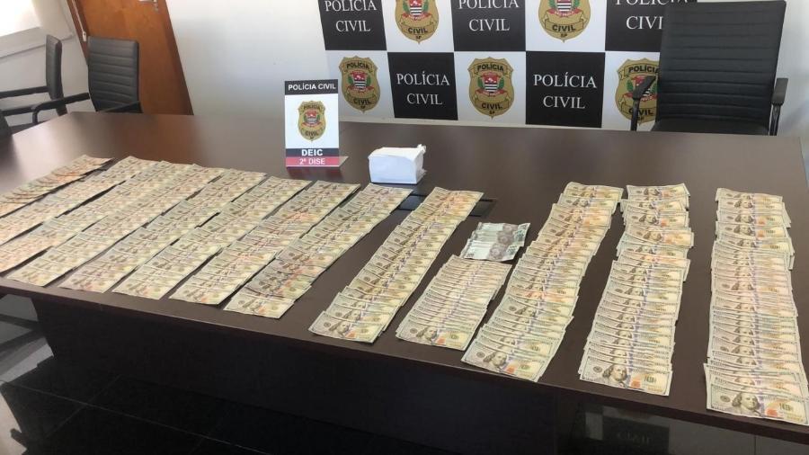 Notas falsificadas de dólar apreendidas pela Polícia Civil em Votorantim - Polícia Civil/Divulgação