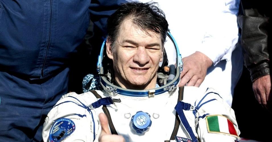 30.jul.2015 - VOLTA AO ESPAÇO - O astronauta italiano Paolo Nespoli voltará em maio de 2017 ao espaço aos 60 anos e como integrante de uma missão da Agência Espacial Italiana (ASI) na Estação Espacial Internacional (ISS, em inglês). O anúncio foi feito nesta quinta-feira em entrevista coletiva realizada em Roma pelo presidente da ASI, Roberto Battiston, e o responsável do Centro de Astronautas Europeus da Agência Espacial Europeia (ESA), Frank De Winne