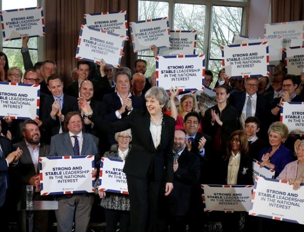 19.abr.2017 - Primeira-ministra britânica Theresa May discursa para os membros do Partido Conservador , em Bolton, Inglaterra
