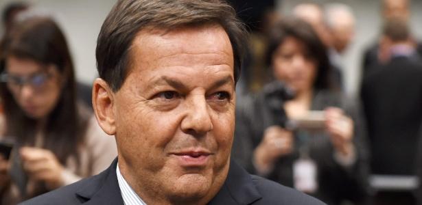O deputado federal Sergio Zveiter (PMDB-RJ) concluiu seu relatório neste sábado (8)