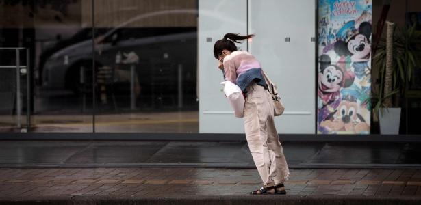 Ventos de até 126 km/h atingiram a capital Tóquio durante a tormenta - Behrouz Mehri/AFP