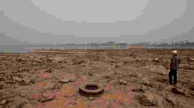 Rio Paraguai atingiu mínima histórica com baixa vazão, o que tornou a navegação comercial quase impossível - EPA - EPA