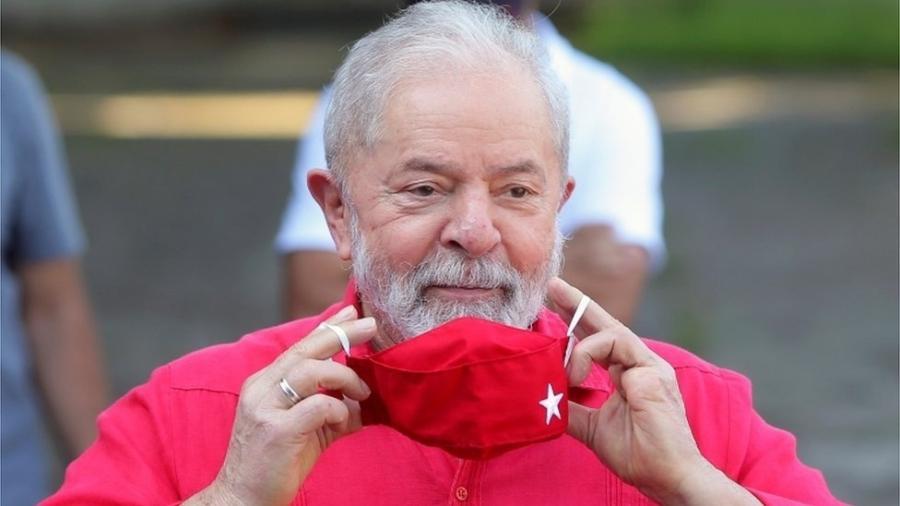 Recursos fundamentais para o futuro do ex-presidente Luiz Inácio Lula da Silva e do senador Flávio Bolsonaro aguardam decisão de Gilmar Mendes - Reuters