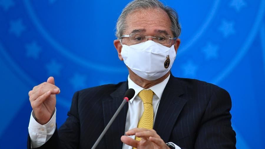 O ministro da Economia, Paulo Guedes, voltou a destacar a necessidade da vacinação em massa para acelerar a recuperação da economia - Mateus Bonomi/AGIF/Estadão Conteúdo