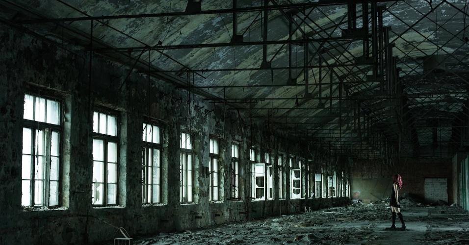 6.ago.2015 - Em São Petesburgo, David encontrou uma fábrica construída no século 19
