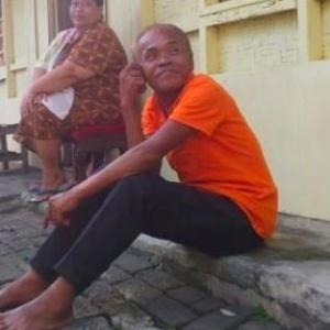 Esse aí é o Waluyo, que 'morreu' há mais de 1 ano e voltou pra casa esses dias. Vai entender!?