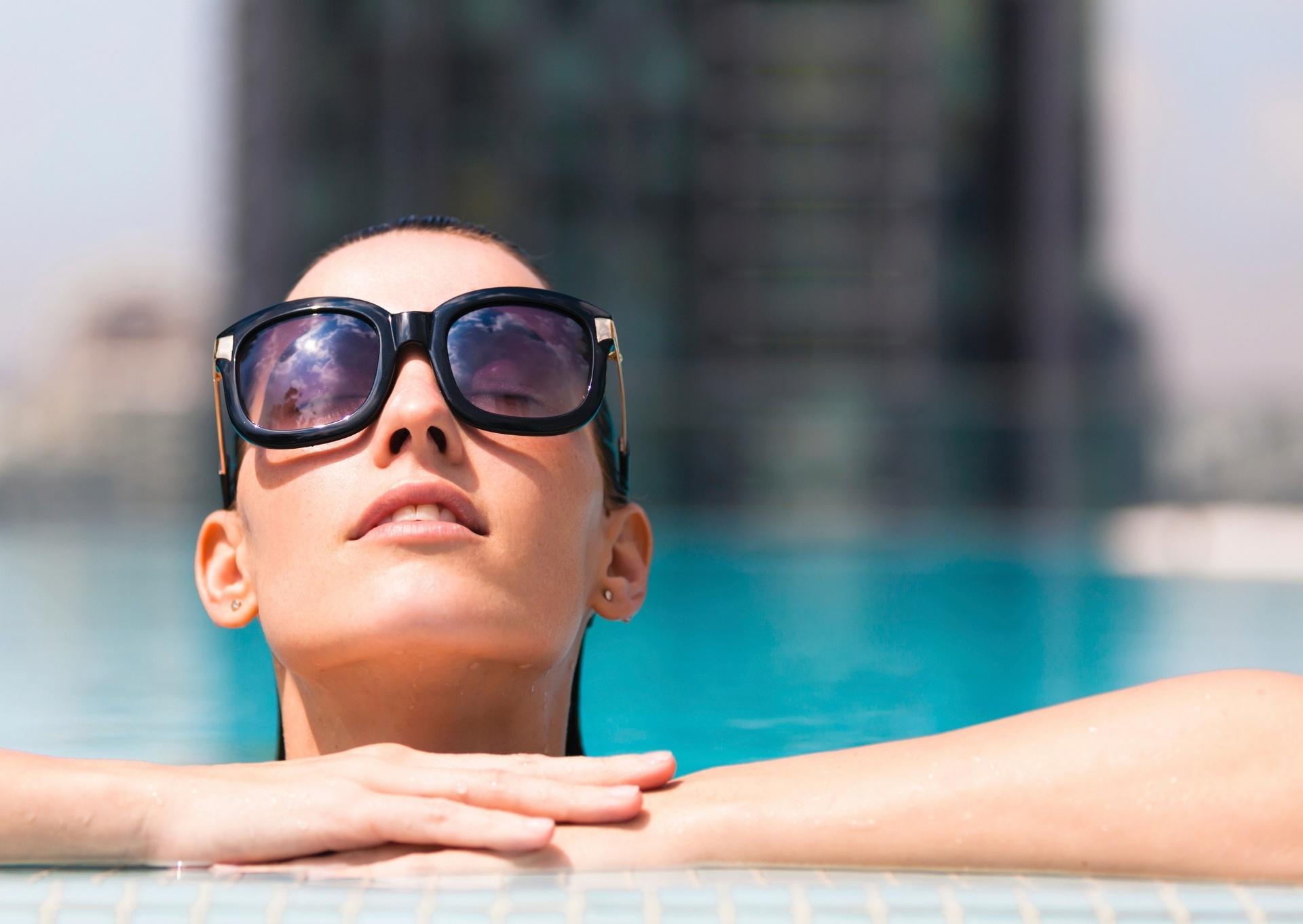 391cc9489 Teste de qualidade de óculos de sol precisa ser revisto, alerta estudo -  06/10/2016 - UOL Notícias
