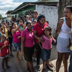 Fila em padaria de Cumana, na Venezuela