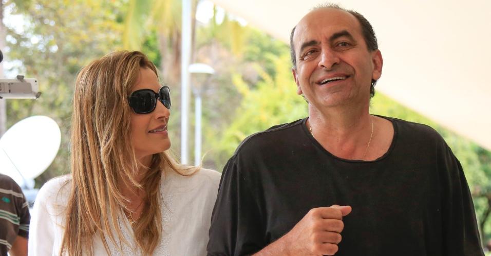 2.out.2016 - Alexandre Kalil (PHS), candidato à prefeitura de Belo Horizonte, vota no colégio Milton Campos, no bairro de Lourdes, em Belo Horizonte (MG)