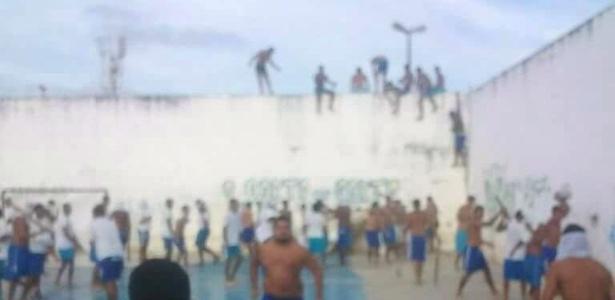 Presos da Penitenciária Estadual de Alcaçuz, na região metropolitana de Natal (RN), fizeram rebelião no sábado (14)
