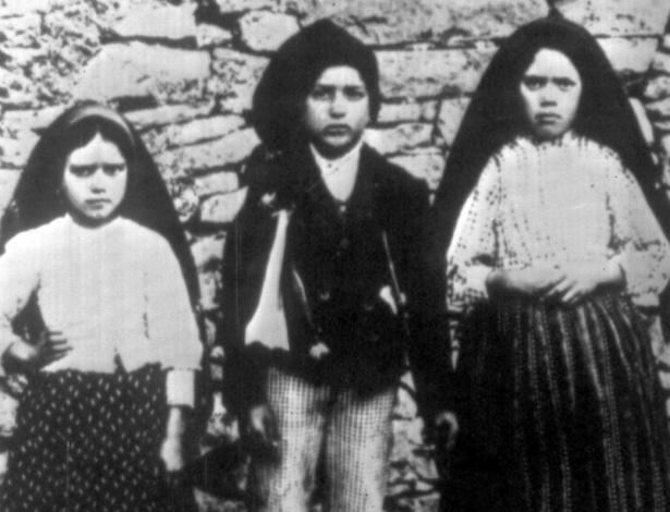 Os meninos de Fátima: Lúcia Jesus (dir) e os irmãos Jacinta (esq.) e Francisco