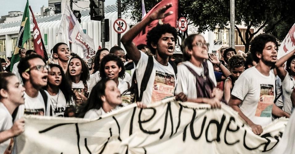 Em 2016, secundaristas saíram às ruas contra a reforma do ensino médio e a PEC 241, que limitou os gastos federais