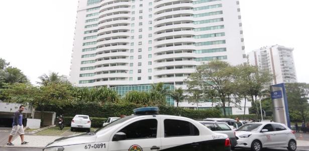 14.jun.2017 - Filho do bicheiro Piruinha e uma mulher foram assassinados em quarto do Hotel Transamérica na Barra