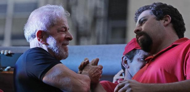 Apartamento no litoral de SP | Boulos vira réu acusado de invadir o tríplex em Guarujá em ato de protesto