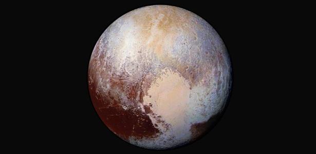 Dunas foram identificadas na grande planície clara ao centro da foto de Plutão