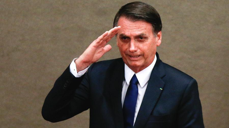 O presidente eleito, Jair Bolsonaro (PSL), e seu vice, Hamilton Mourão (PRTB), receberam no fim da tarde de 10 de dezembro os diplomas que atestam a vitória nas urnas e o mandato de quatro anos - Walterson Rosa/Folhapress
