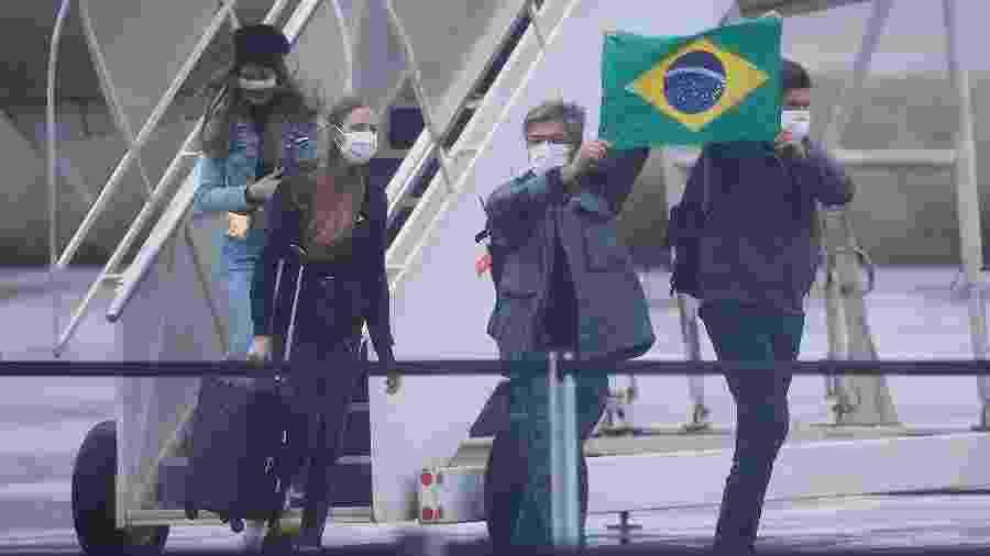 Os dois aviões brasileiros que trouxeram os repatriados pousaram na Base Aérea de Anápolis, em Goiás, no domingo (9) - Dida Sampaio/Estadão Conteúdo