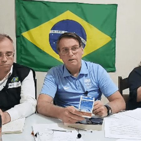 O presidente Jair Bolsonaro (sem partido) durante live semanal desta quinta (3) - Reprodução/YouTube
