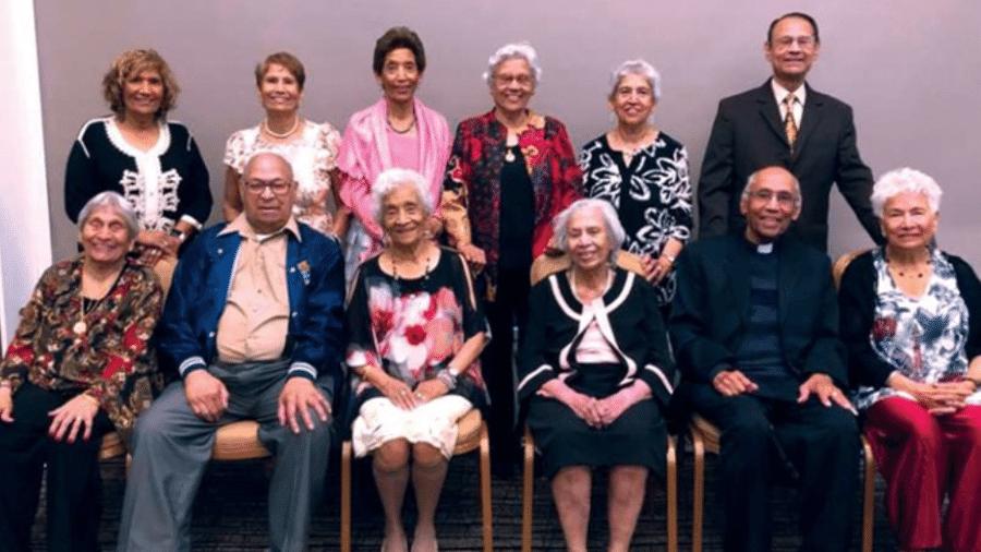 Irmãos da família D´Cruz reunidos - Divulgação/Guinness World Records