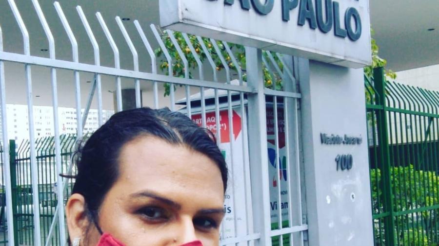 A covereadora Samara Sosthenes diante da Câmara de SP - Acervo Pessoal