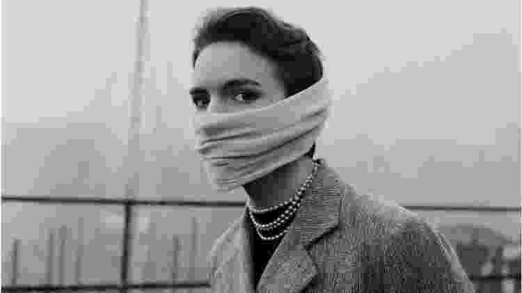 Uma máscara facial era fundamental para enfrentar a poluição londrina nos anos 1950 - Getty Images - Getty Images
