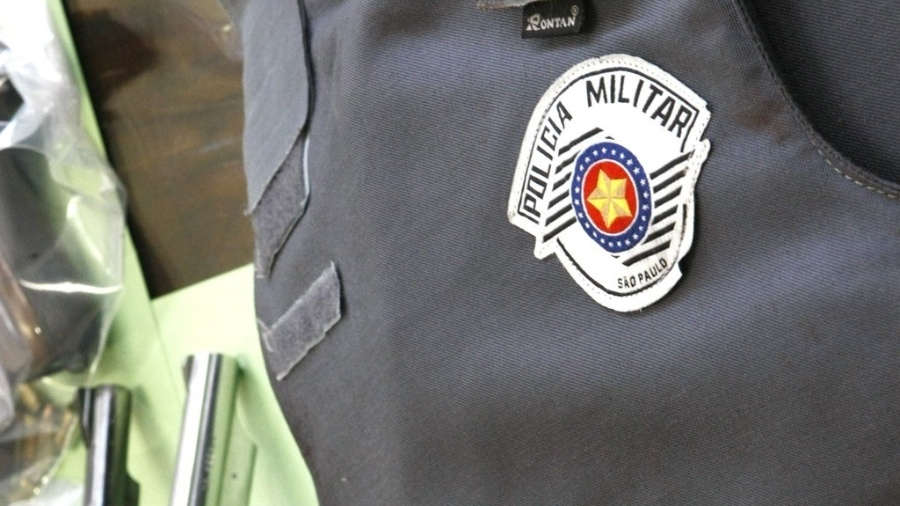 """Presidente de comissão especial que analisa o PL que aperta as regras de aposentadoria das Forças Armadas diz que o colegiado poderá ter """"um olhar especial"""" em relação à inclusão dos policiais militares e bombeiros no texto - Folhapress"""