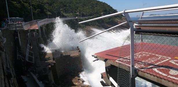 Trecho da ciclovia Tim Maia, no Rio, que desabou na quinta (21). Duas pessoas morreram