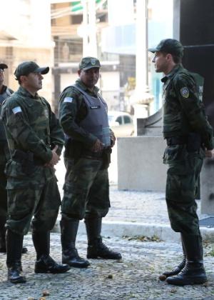 11.fev.2017 - Policiais militares começaram a se apresentar na último sábado, conforme determinação do comandante-geral da PM
