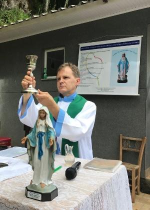 O pároco Osmar Burille, de União da Serra (RS): a cidade mais católica do Brasil tem um padre que já foi casado