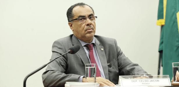 Deputado Celso Jacob (PMDB-RJ) está preso desde junho e tinha autorização para trabalhar de manhã na Câmara