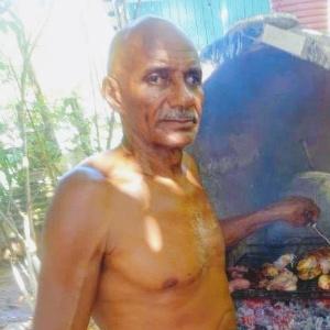 Salvador dos Santos teria tentado salvar outras vítimas do naufrágio - Arquivo pessoal