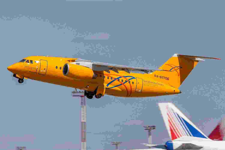 Avião bimotor Antonov AN-148 da companhia russa Saratov Airlines. Uma aeronave do mesmo modelo caiu neste domingo (11) após decolar do aeroporto de Domodedovo, em Moscou - Reprodução/Wikimedia Commons