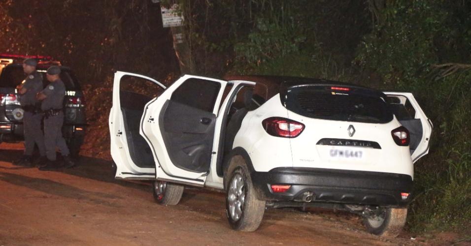 1º.mar.2018 - De acordo com a polícia, os criminosos usavam dois carros roubados
