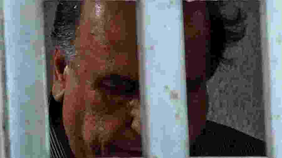 Pezão chega a Niterói, onde está preso em uma sala especial da PM - Fábio Motta - 29.nov.2018/Estadão Conteúdo