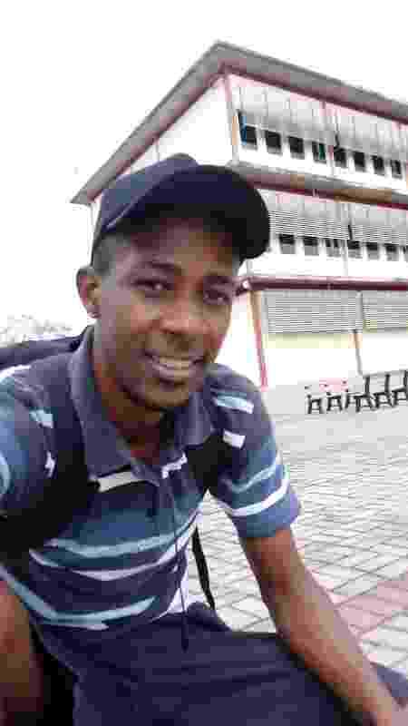 Elcimar da Silva no campus da UFF onde estuda Física - Arquivo Pessoal