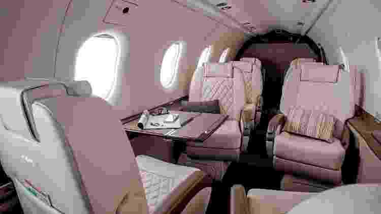 Cabine de passageiros do turboélice da Pilatus foi desenvolvida em parceria com a BMW - Divulgação  - cabine de passageiros do turboelice da pilatus foi desenvolvida em parceria com a bmw 1574381506476 v2 750x421 - Avião a hélice é simples por fora, mas tem luxo de jato por até R$ 32 mi
