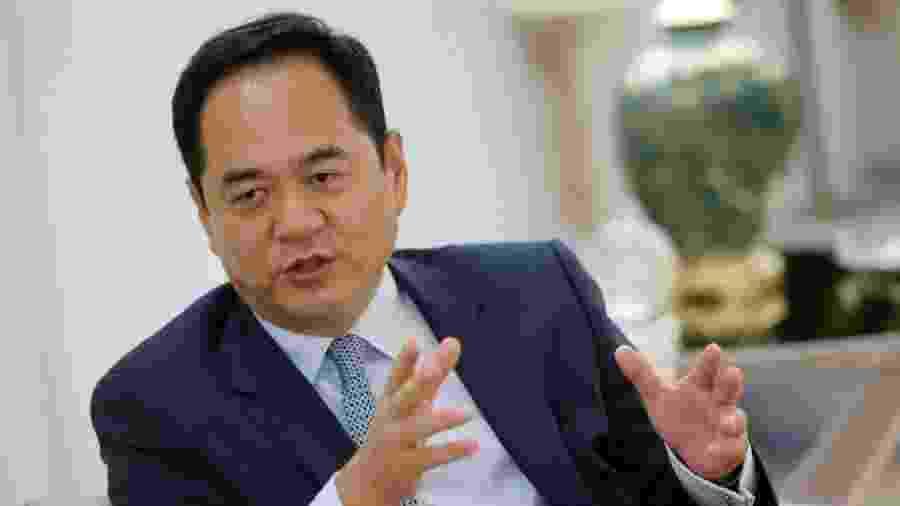 Yang Wanming, embaixador da China, refuta teorias da conspiração contra país - Adriano Machado/Reuters