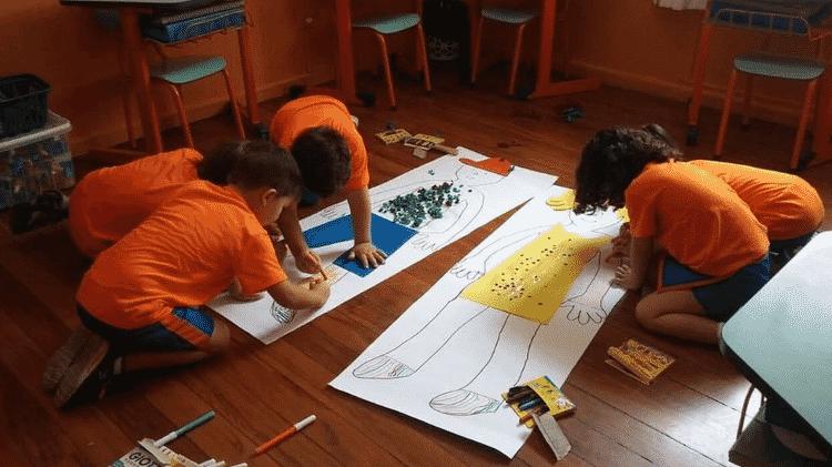 Crianças em foto de arquivo da escola Planeta Azul; diretora Marli Pereira esperava recuperar seu número de alunos após o Carnaval, mas planos foram por água abaixo por conta da pandemia - Arquivo Pessoal - Arquivo Pessoal