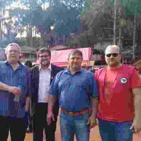 Ênio Pasqualin é o terceiro da esquerda para a direita - Arquivo MST/PR
